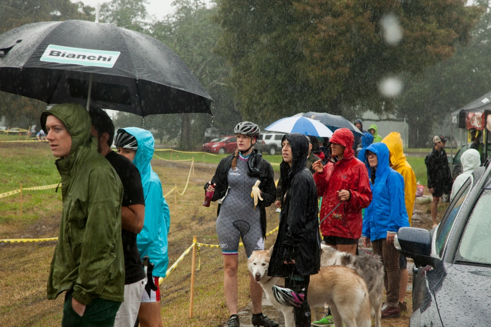 Just a little rain at the start of the Cat 4/5.